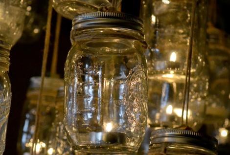 vintage-wedding-diy-project-mason-jar-chandelier